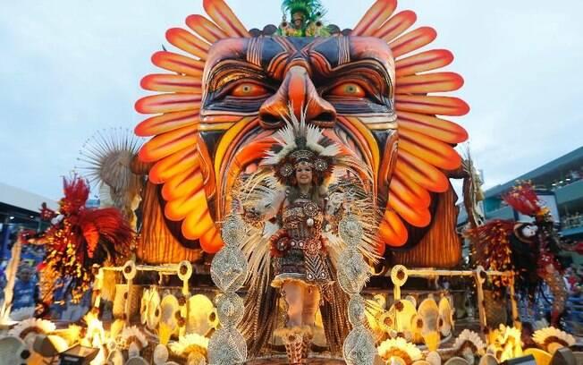 Beija-Flor apresenta o enredo A virgem dos lábios de mel Iracema no Carnaval do ano passado