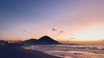 San Sebastián atrai pelos cenários paradisíacos