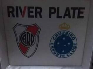 foto do presente dado ao Cruzeiro pela diretoria do River Plate
