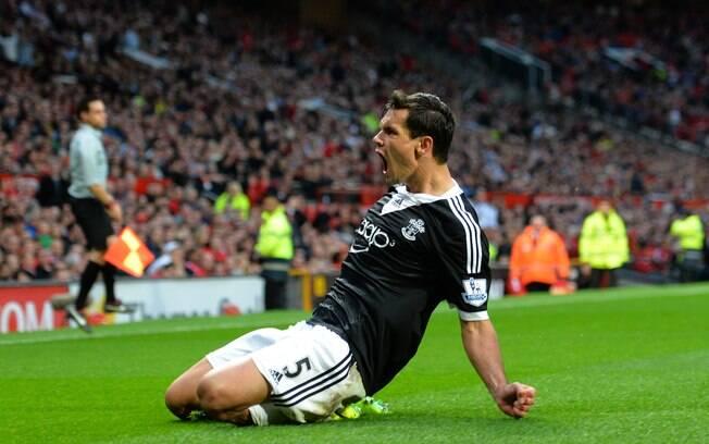 Lovren empata para o Southampton no fim da partida contra o Manchester United