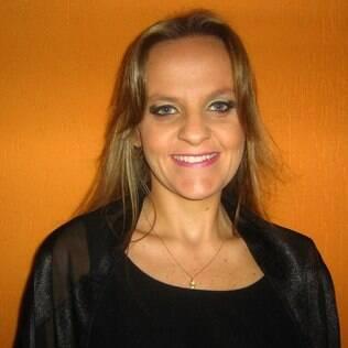Luciana Monteiro foi demitida às vésperas de seu casamento. Permitiu-se ficar chateada por dois dias.