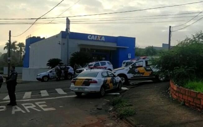 Bandidos tentam furtar agncia bancria em Santo Antnio de Posse