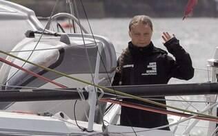 Ativista Greta Thunberg começa a atravessar o oceano em veleiro sustentável