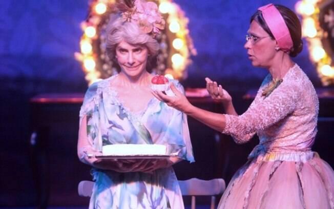 Maitê Proença e Clarice Niskier em cena na peça