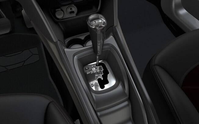 O Peugeot 2008 Crossway ainda usa a péssima transmissão automática de quatro marchas. É ruim nas trocas, é ruim no consumo e no conforto.