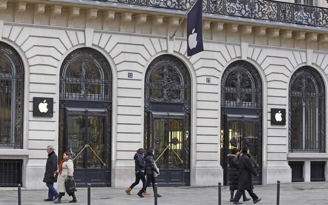 Loja da Apple próxima à Ópera de Paris foi alvo de grande assalto na noite de Ano Novo