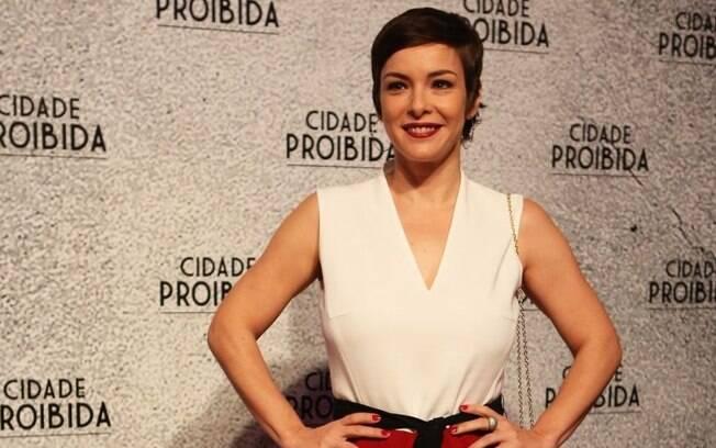"""Regiane Alves apostou no corte """"Elis Regina"""" para viver prostituta na série Cidade Proibida"""