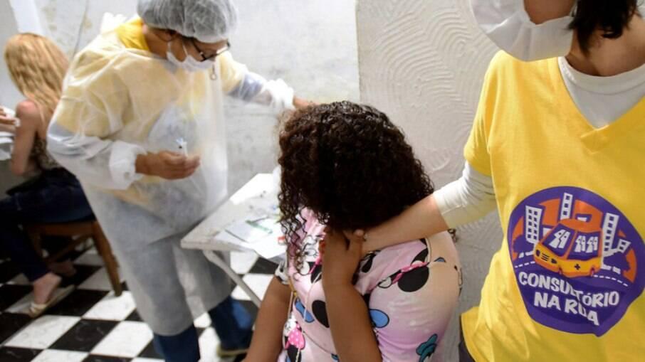 Vacinação de populações vulneráveis em Campinas.