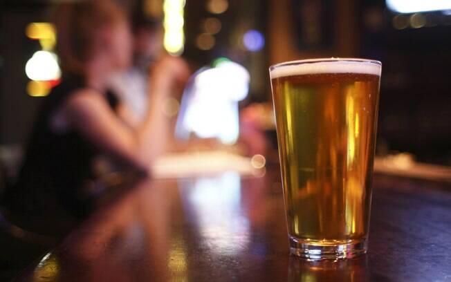 Cerveja deixa as pessoas mais sociáveis