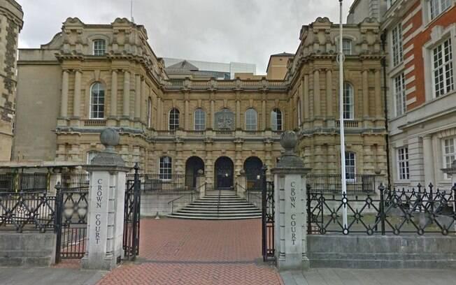 O casal foi condenado pelo abuso sexual do filho, que já tinha tentando denunciar os crimes anos antes às autoridades