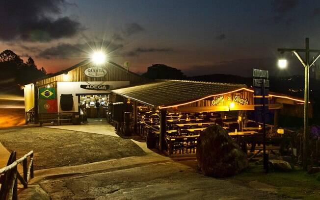 Rota do vinho em São Roque: a Quinta do Olivardo vende de vinhos artesanais até louças para seus clientes