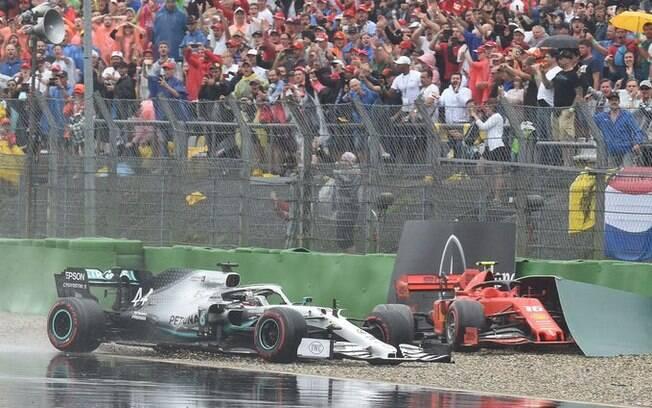 Acidentes e chuva marcaram o GP da Alemanha