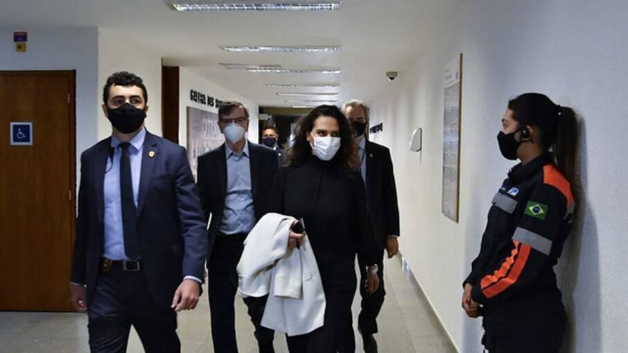 Luana Araújo chegando ao Senado Federal nesta quarta-feira, 02