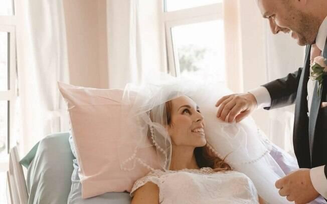 Último desejo de Samantha Webster era se casar antes de morrer. Vontade da noiva foi atendida