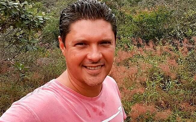 Repórter Jony Torres foi assaltado e trancado no porta-malas de carro em chamas