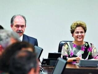 Estratégia. Presidente Dilma Rousseff se reuniu, ontem, com líderes da base aliada no Congresso