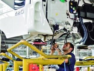 Fabricação de caminhões puxou a alta da indústria em janeiro