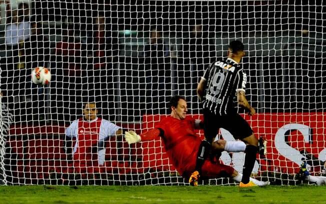 Guerrero abre o placar para o Corinthians no  jogo de ida da final da Recopa