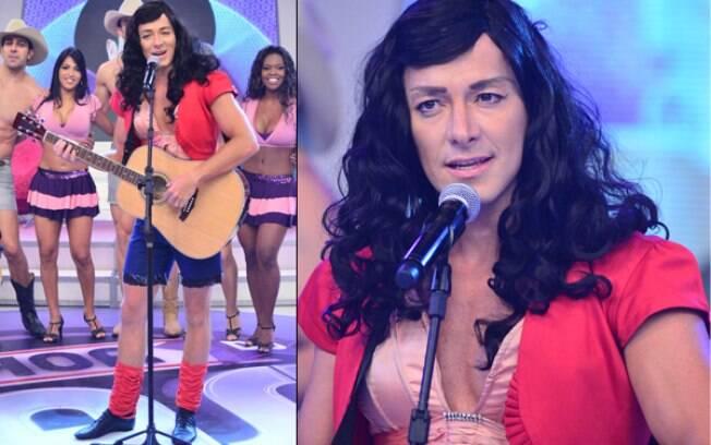 Rodrigo Faro se transforma em Paula Fernandes