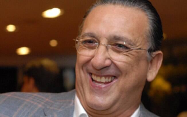 Galvão Bueno, na transmissão de Bayern x  Barcelona: ?Se Felipão estivesse vendo o jogo,  entenderia que volante que sabe sair jogando não  agrada só jornalista?