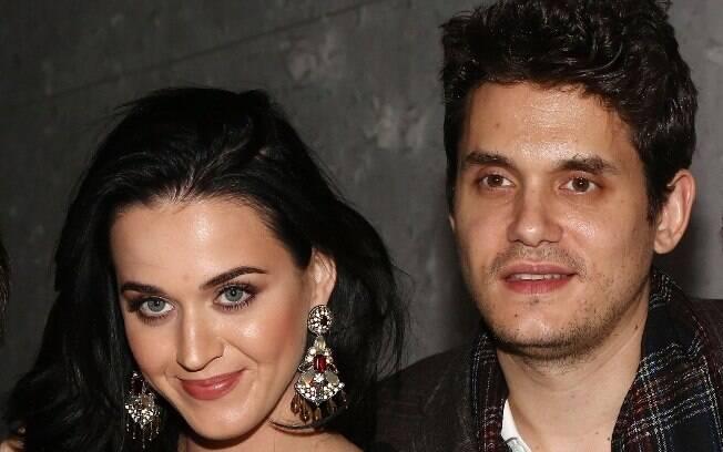 Atualmente Katy Perry namora o músico John Mayer