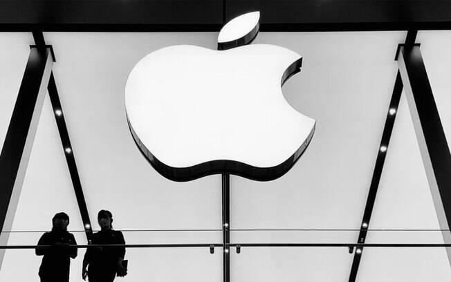 Apple adia volta aos escritórios para 2022 após críticas de funcionários