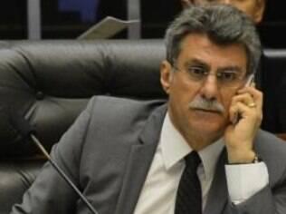Filiado ao PMDB, senador Romero Jucá apoiou Aécio Neves na campanha presidencial do ano passado