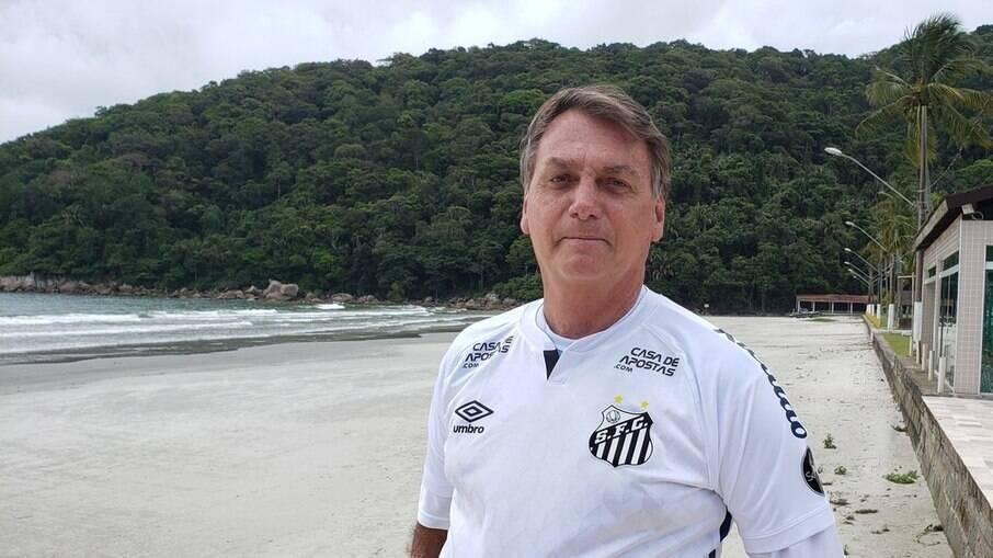 Presidente usou camisa do Santos em viagem
