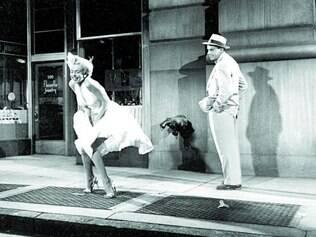 Ficção. 'O Pecado Mora ao Lado' tem Marilyn Monroe no papel de uma mulher que se relaciona com um homem casado