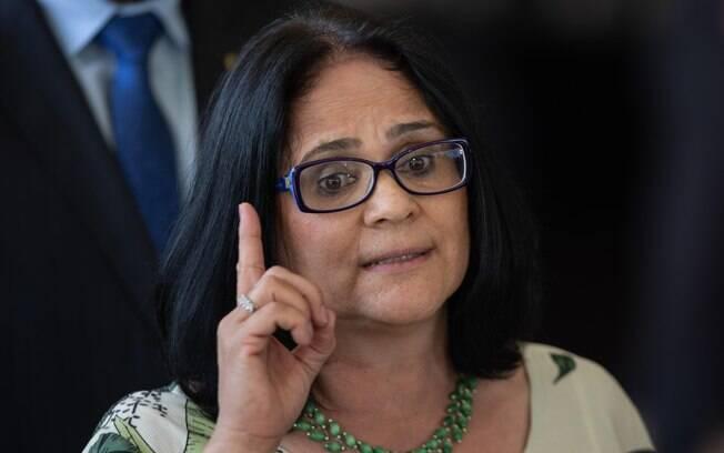 Funai foi deslocada para o Ministério da Família e Direitos Humanos, comandado por  Damares Alves