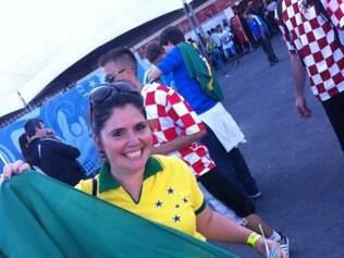 Veterinária Isabel Azevedo curte Cruzeiro na liderança do Brasileiro