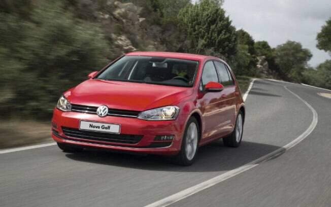Prestes a ganhar uma nova versão, o Volkswagen Golf sofre reajuste e passa a custar R$ 78.130 com motor 1.6 de 120 cv..