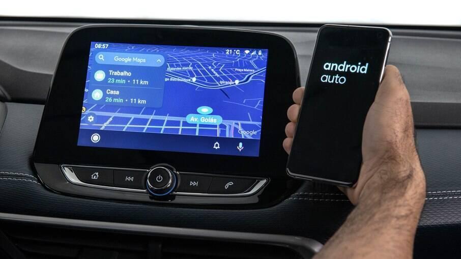 Chevrolet Tracker 2022: pareamento do celular sem fio é a principal novidade do SUV compacto da GM