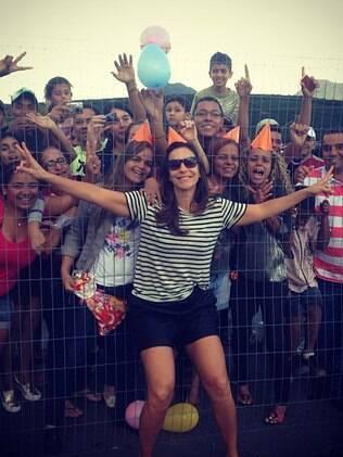 Ivete Sangalo comemora 41 anos com os fãs