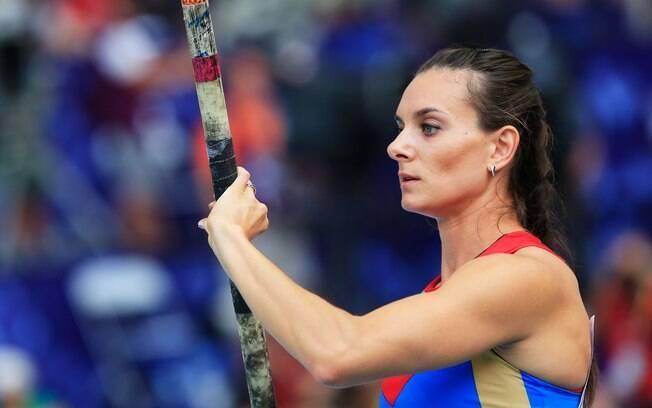 Elena Isinbayeva está na final do salto com  vara