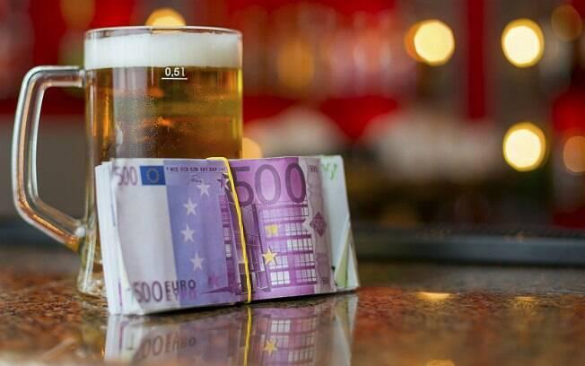 Segundo levantamento, britânicos gastam 787 libras esterlinas por ano com bebidas alcoólicas