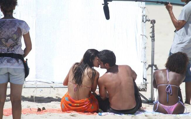 Os atores interpretam o casal Luiza e André
