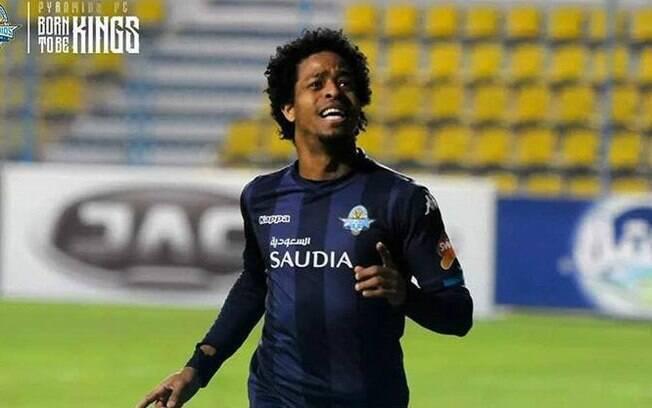 Com golaço e assistência de Keno, Pyramids empata clássico contra o Zamalek