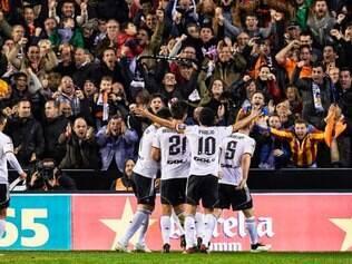 Nicolás Otamendi anotou o gol da vitória do Valencia contra o Real Madrid aos 20 minutos do segundo tempo