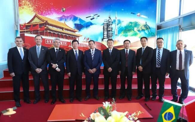 O vice-presidente Hamilton Mourão afirmou, em Pequim, que o Brasil não pode ser apenas uma 'loja' para a China