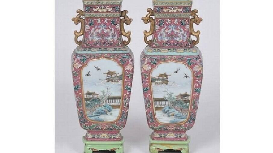 Vasos chineses são vendidos por R$ 6,3 milhões