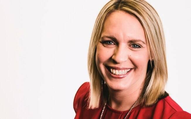 Vacinas contra covid: investigação apura se morte de apresentadora da BBC Lisa Shaw tem relação com coágulo raro