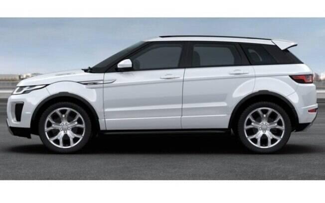 Por fora, seu design não se diferencia muito da versão padrão, com exceção às rodas cromadas de desenho exclusivo