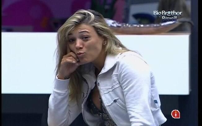 Fabiana pergunta se João Carvalho roncou