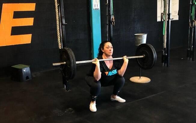 Para perder peso, Melissa, além de controlar a alimentação e fazer caminhadas, também passou a praticar exercícios físicos