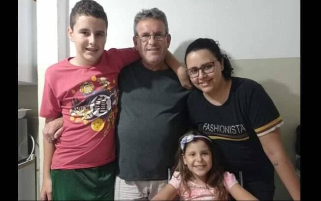 Corrente do bem cria vaquinha para ajudar família que perdeu casa em incêndio