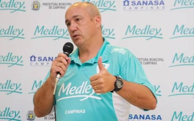 Vôlei Renata anuncia retorno do técnico Marcos Pacheco