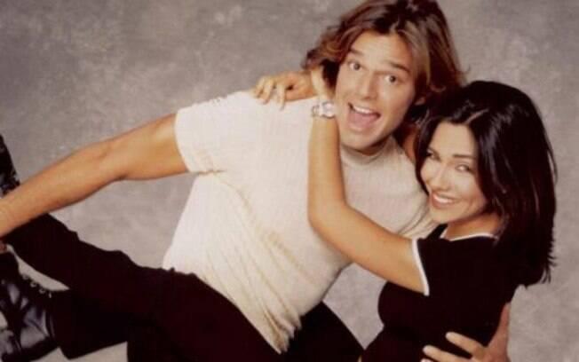 Na década de 90, Ricky Martin ostentava um cabelo longo e seduzia  muitas mulheres