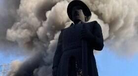 Justiça prorroga prisão de Galo por incêndio a estátua em SP