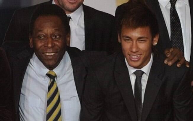 Pelé e Neymar Jr, duas gerações de ex-jogadores do Santos Futebol Clube
